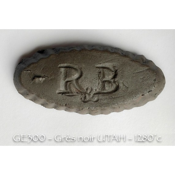 TERRE GRES UTHA NOIR CHAMOTEE 0-0.5 - BECK - 10 KG - GE300CHF