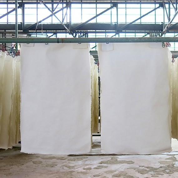 Papier du monde KHADI Indien BAYAN - 400g - F:110 x 160 cm  R33 - Blanc  - G.torchon