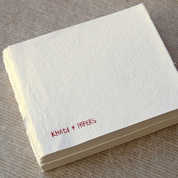 CARNET KHADI BB5 WHITE ROUGH 13 X 16 CM 210 GR 40 PAGES